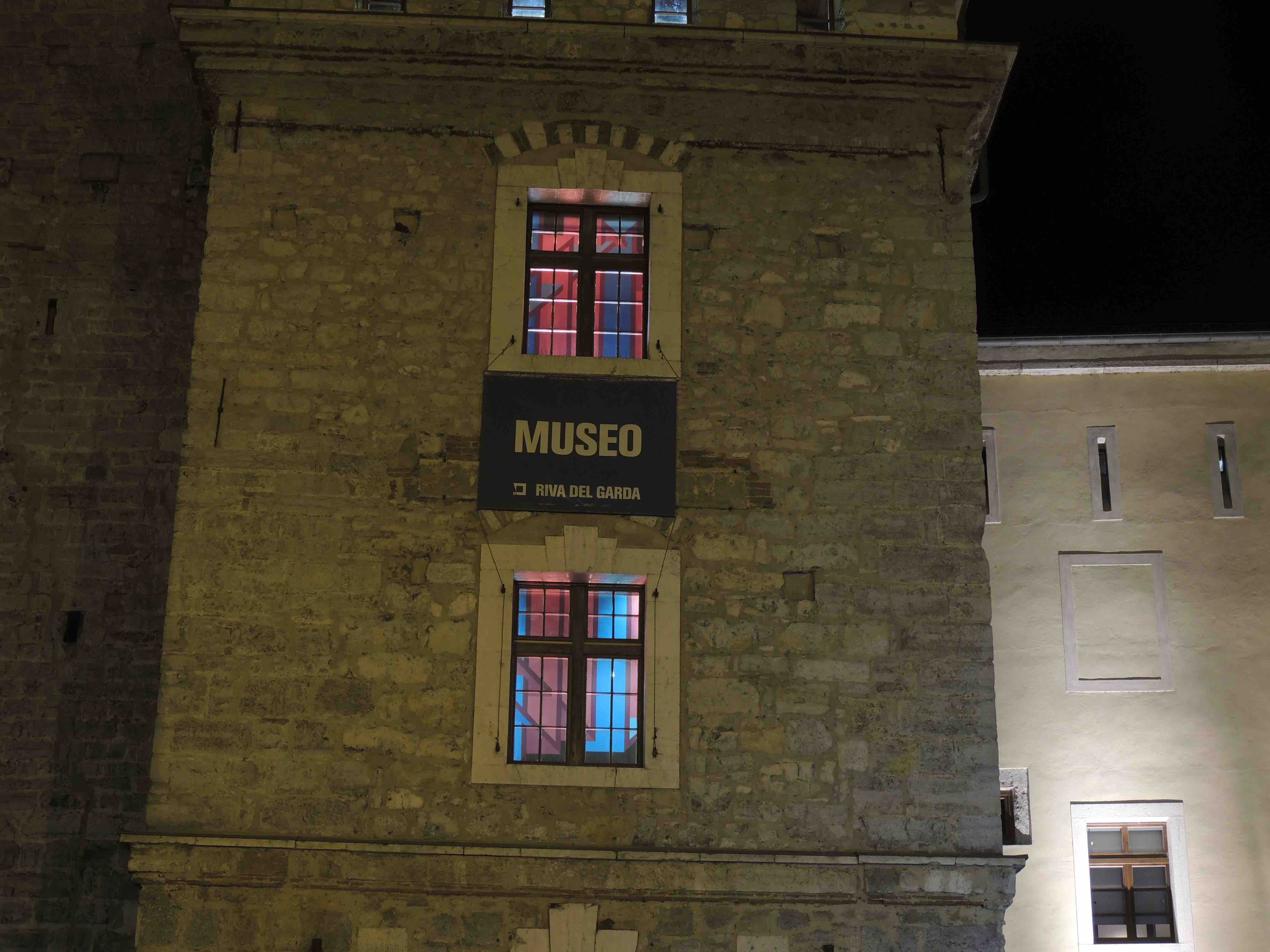 "Ambienti Riva Del Garda der blitz 2016, ""epic window lights"" mag, riva del garda (tn"